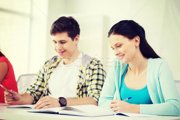 Öğrenciler ders kitapları kitaplar okul eğitim iki Stok fotoğraf © dolgachov