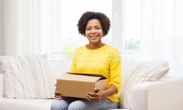 Felice african pacchetto finestra home Foto d'archivio © dolgachov