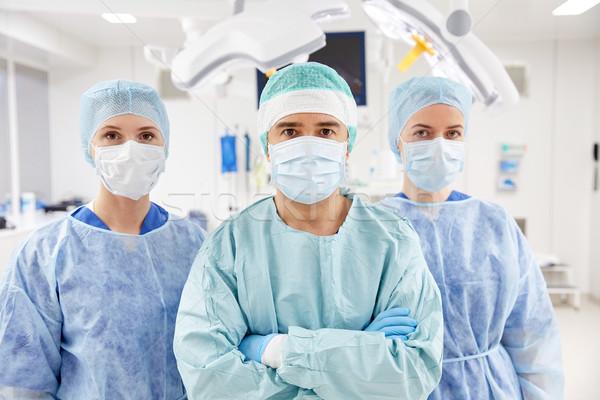Csoport sebészek műtő kórház műtét gyógyszer Stock fotó © dolgachov