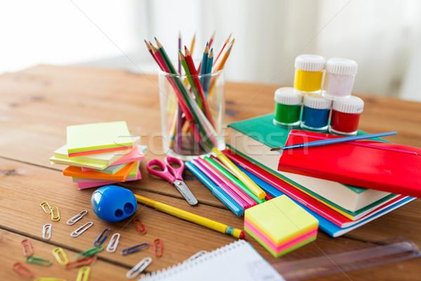 Kırtasiye okul malzemeleri tablo eğitim sanat Stok fotoğraf © dolgachov