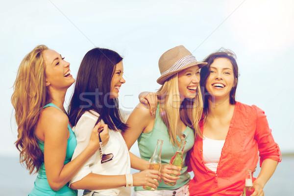 Сток-фото: улыбаясь · девочек · напитки · пляж · лет · праздников