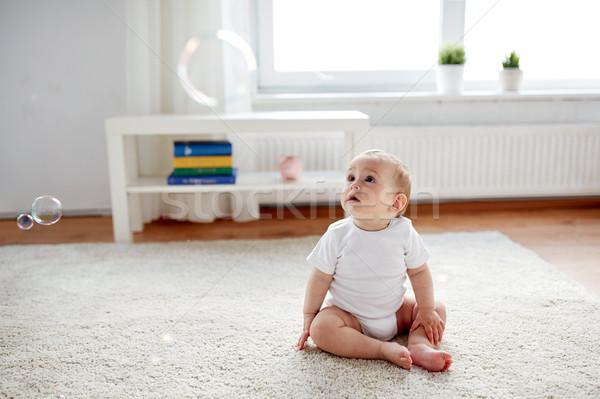 Mutlu bebek sabun köpüğü ev çocukluk insanlar Stok fotoğraf © dolgachov