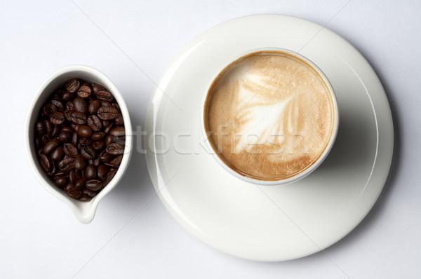 Tasse de café grains de café barista café bar énergie Photo stock © dolgachov