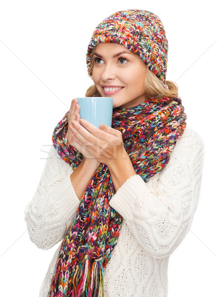Nő kalap piros tea kávésbögre tél Stock fotó © dolgachov