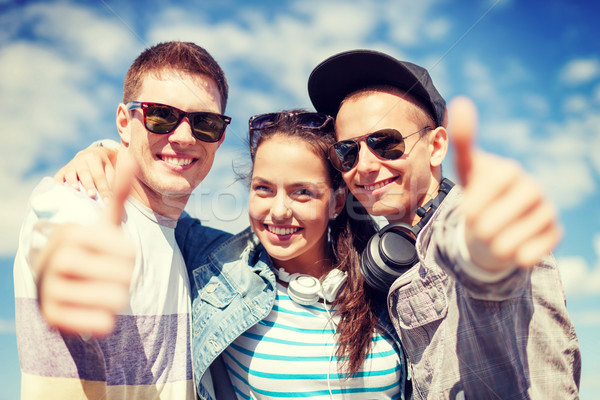 Stockfoto: Glimlachend · tieners · tonen · zomer · vakantie