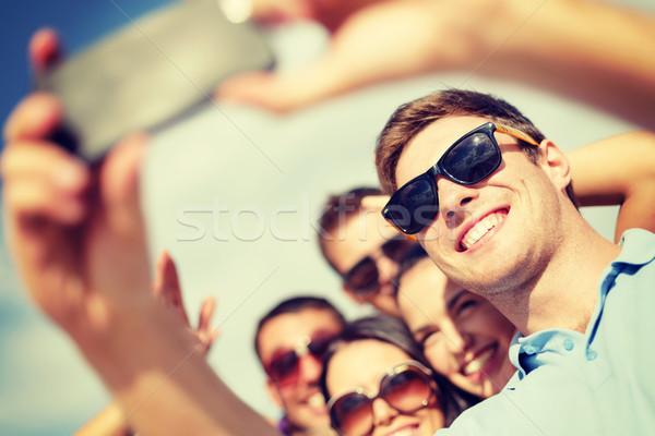 Photo stock: Groupe · amis · photos · smartphone · été