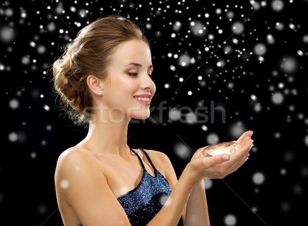Sorrindo vestido de noite diamante pessoas férias natal Foto stock © dolgachov