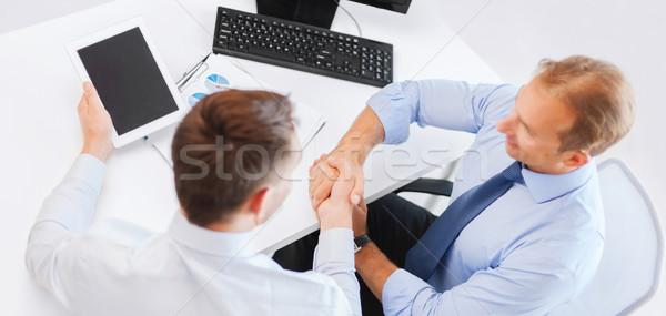 Geschäftsleute Händeschütteln Büro zwei Business Hände Stock foto © dolgachov