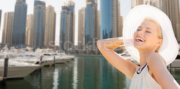 Feliz mulher verão Dubai cidade Foto stock © dolgachov