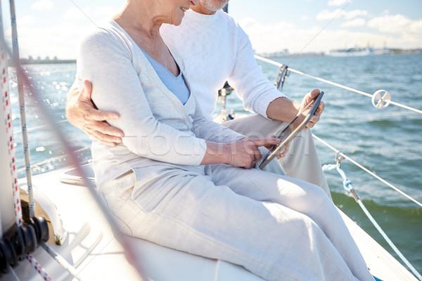 Couple de personnes âgées voile bateau yacht voile Photo stock © dolgachov