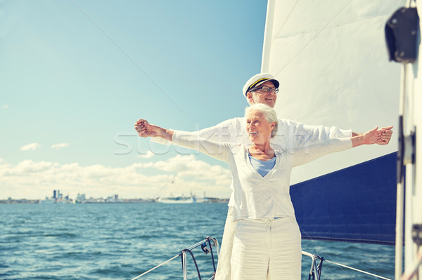 Casal de idosos liberdade velejar barco mar Foto stock © dolgachov