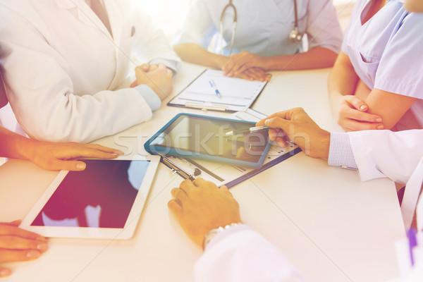 Foto d'archivio: Gruppo · medici · riunione · ospedale · ufficio · tecnologia