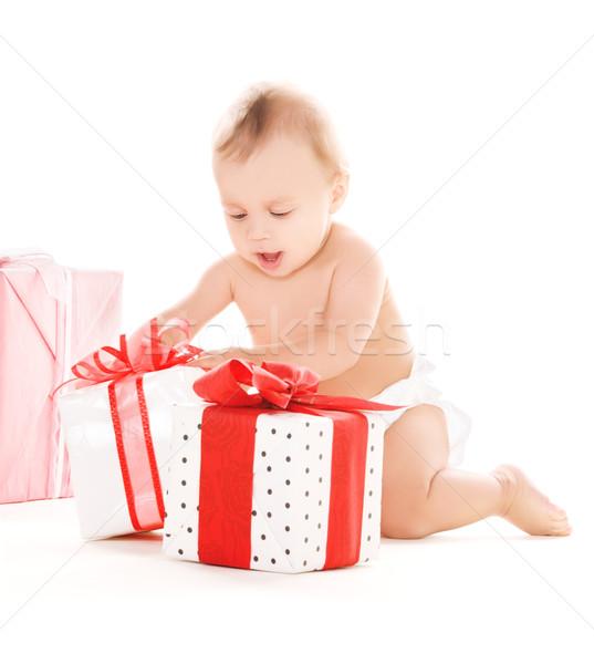 Imagine de stoc: Copil · băiat · Cadouri · imagine · alb · copil