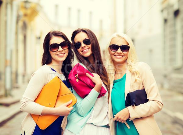 Schönen Mädchen Taschen Feiertage Lifestyle Frauen Stock foto © dolgachov