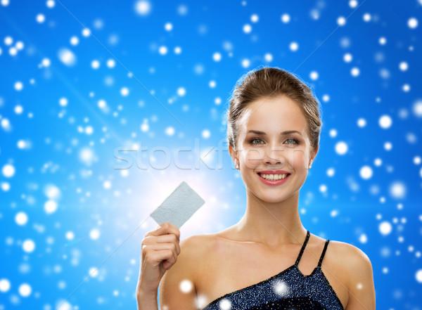 Sorrindo vestido de noite cartão de crédito compras luxo Foto stock © dolgachov