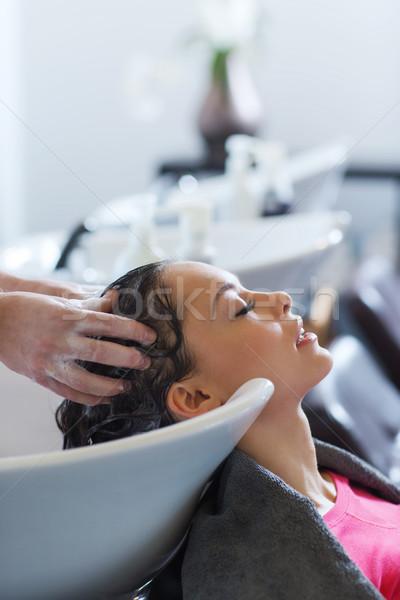 Gelukkig jonge vrouw kapsalon schoonheid mensen kapper Stockfoto © dolgachov