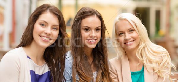 Stock fotó: Három · gyönyörű · lányok · iszik · kávé · kávézó