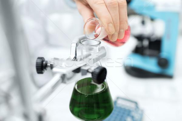Stock fotó: Közelkép · tudós · tömés · teszt · csövek · labor