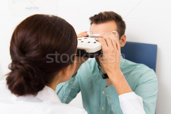 Сток-фото: оптик · пациент · клинике · медицина · люди