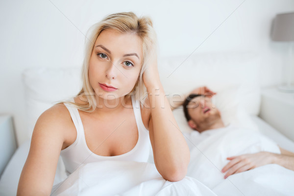 Wakker vrouw slapeloosheid bed mensen gezondheid Stockfoto © dolgachov