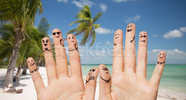 關閉 手 手指 面孔 手勢 商業照片 © dolgachov