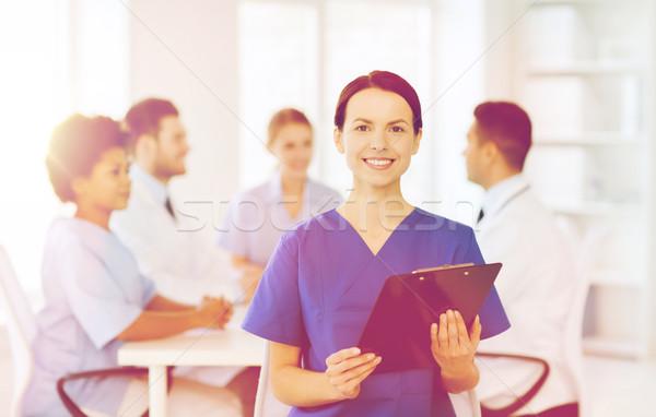 Сток-фото: счастливым · врач · группа · больницу · клинике · профессия
