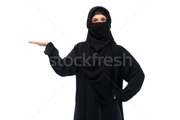 мусульманских женщину хиджабе пусто стороны Сток-фото © dolgachov