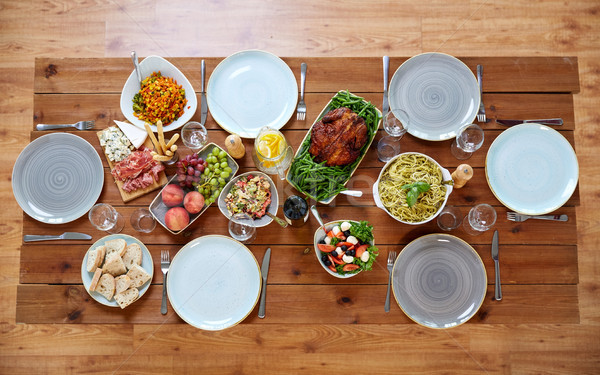 Alimentare servito tavolo in legno culinaria ringraziamento Foto d'archivio © dolgachov