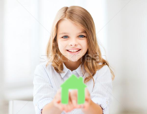 Menina verde papel casa casa Foto stock © dolgachov