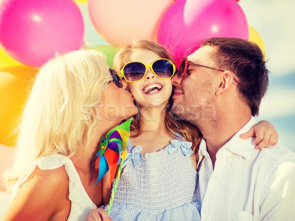 Család színes léggömbök nyár ünnepek ünneplés Stock fotó © dolgachov