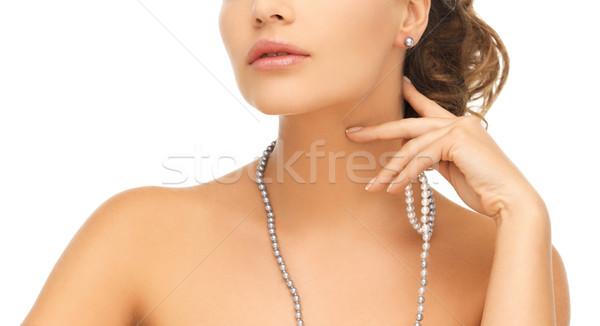 Nő gyöngy fülbevalók nyaklánc menyasszony esküvő Stock fotó © dolgachov