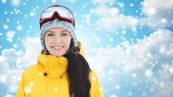 Boldog fiatal nő síszemüveg kék ég tél szabadidő Stock fotó © dolgachov