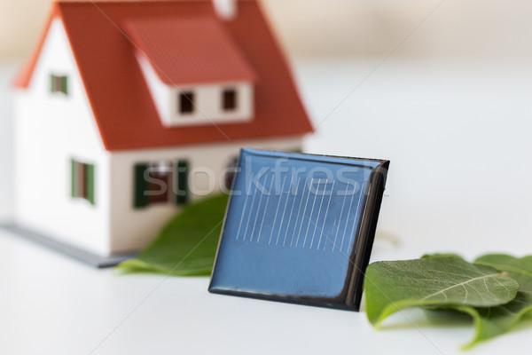 Huis model zonne batterij cel Stockfoto © dolgachov