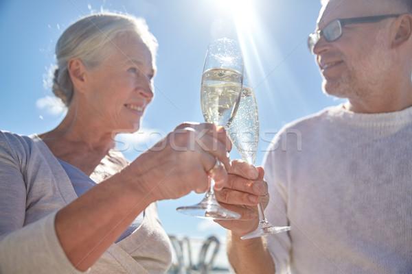 Stockfoto: Gelukkig · drinken · champagne · buitenshuis · familie
