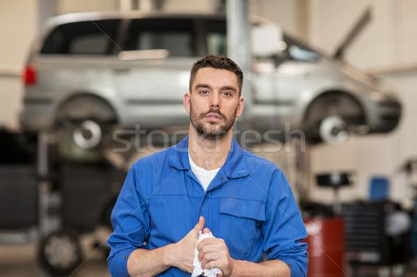 Meccanico auto uomo auto workshop servizio riparazione Foto d'archivio © dolgachov