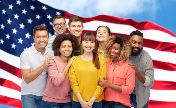 Internationaux groupe heureux souriant personnes diversité Photo stock © dolgachov