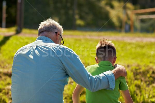 Grand-père petit-fils extérieur famille génération Photo stock © dolgachov