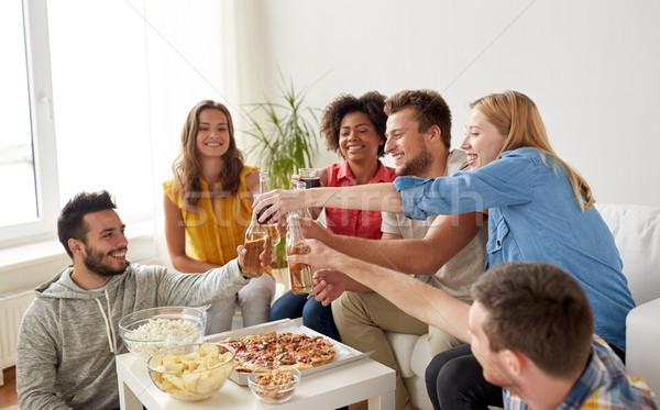 Foto stock: Amigos · festa · bebidas · casa · amizade · férias