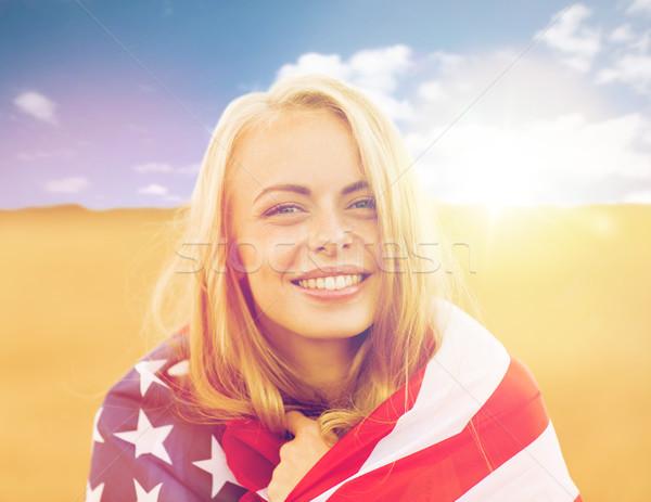 Feliz mulher bandeira americana cereal campo país Foto stock © dolgachov