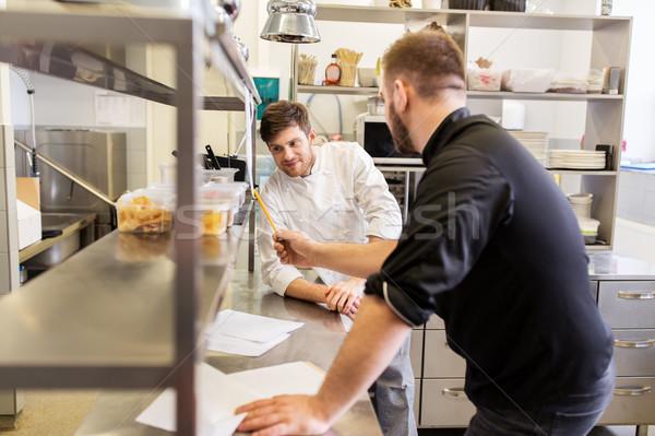 Szakács szakács élelmiszer lista konyha főzés Stock fotó © dolgachov