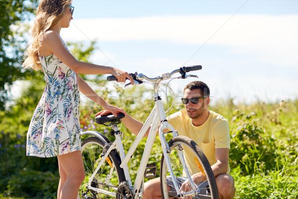 Bicicleta estrada rural pessoas lazer Foto stock © dolgachov