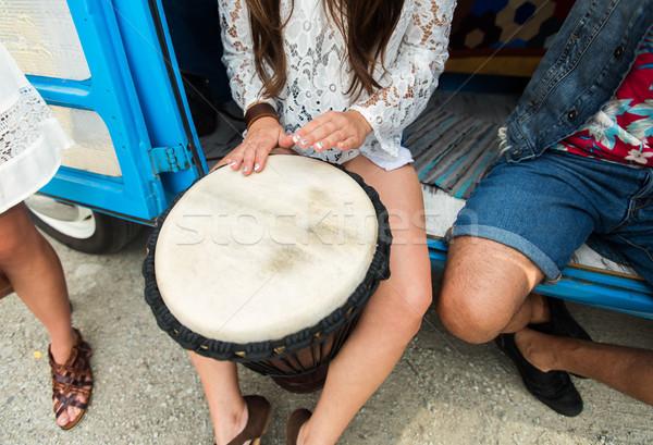 Hippie kobieta gry drum lata Zdjęcia stock © dolgachov