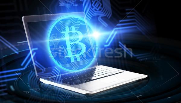 Computador portátil bitcoin holograma financiar negócio futuro Foto stock © dolgachov
