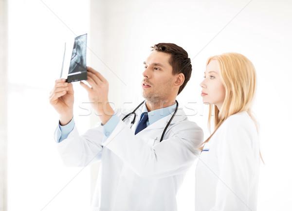 Stock fotó: Kettő · orvosok · néz · röntgen · kép · nő