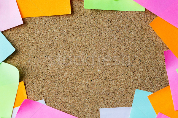 Közelkép üres papír matricák parafa tábla üzlet információ Stock fotó © dolgachov