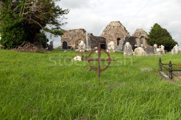 Starych grobu krzyż celtic cmentarz Irlandia Zdjęcia stock © dolgachov