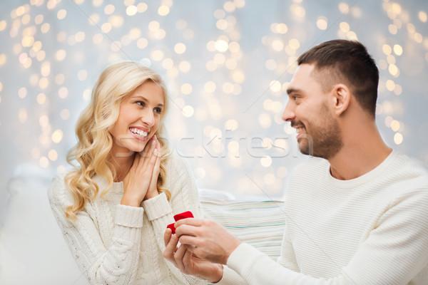 Heureux homme bague de fiançailles femme amour couple Photo stock © dolgachov