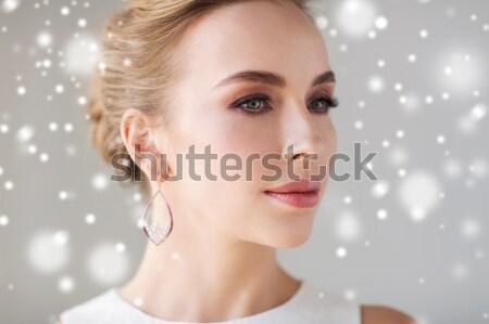 женщину Pearl серьга снега ювелирные Сток-фото © dolgachov