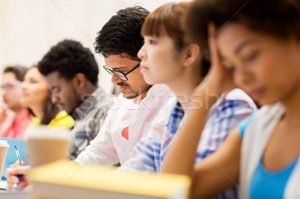 Internacional estudantes palestra educação escola secundária aprendizagem Foto stock © dolgachov