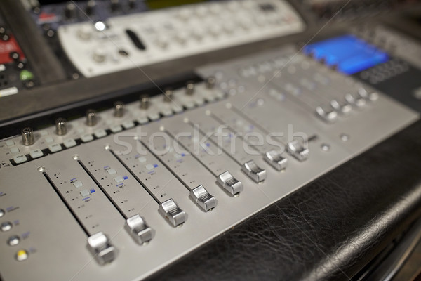 音楽 コンソール サウンド 技術 エレクトロニクス ストックフォト © dolgachov